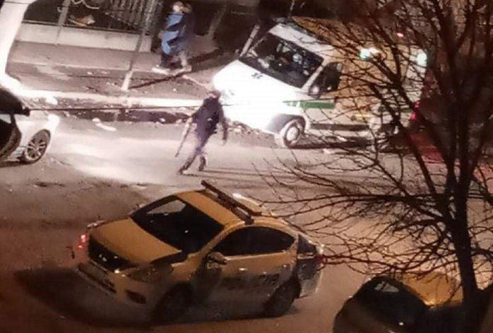 Un hombre herido en la cara en el barrio Ceferino - La policía en el lugar.