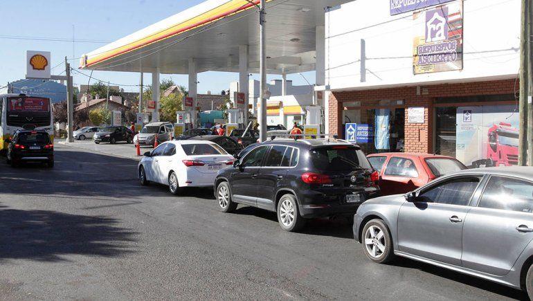 Pinto aseguró que la situación del combustible es muy grave