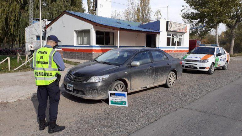 Un conductor cayó manejando un auto de alta gama adulterado