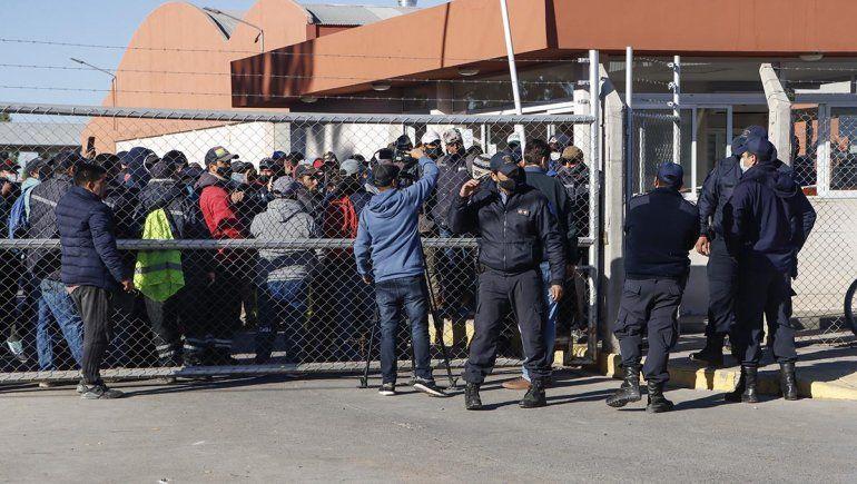 Cipolletti: fuerte protesta municipal paralizó los servicios públicos