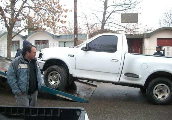 Incautaron camioneta en una toma