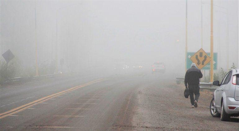 La ciudad amaneció cubierta por una intensa niebla