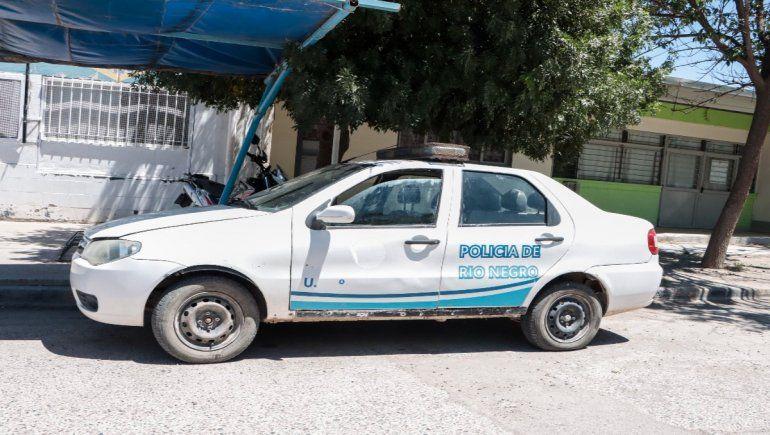 Un militante de ATE destrozó un patrullero de la Policía
