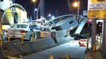 impactante choque contra una cabina de peaje: un muerto