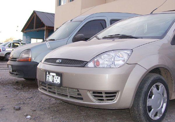 Secuestran vehículos robados