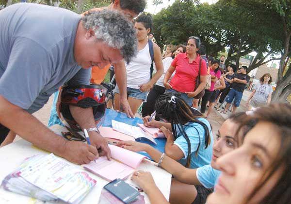 Más de 2.000 inscriptos para la marcha familiar en el primer día