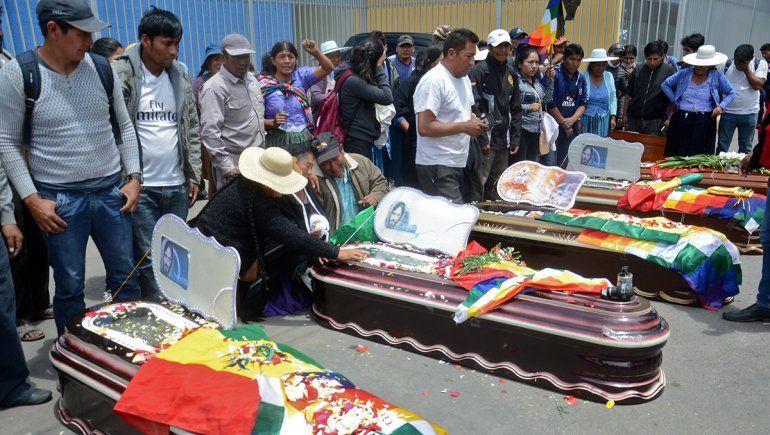 En Bolivia la gente se muere en la puerta de los hospitales