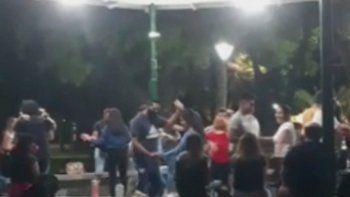 El momento en que se desarrollaba el baile fue registrado en un vídeo del cual se sacó la captura de esta foto.