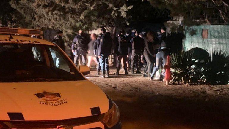 Desarticularon una fiesta clandestina: había 130 personas