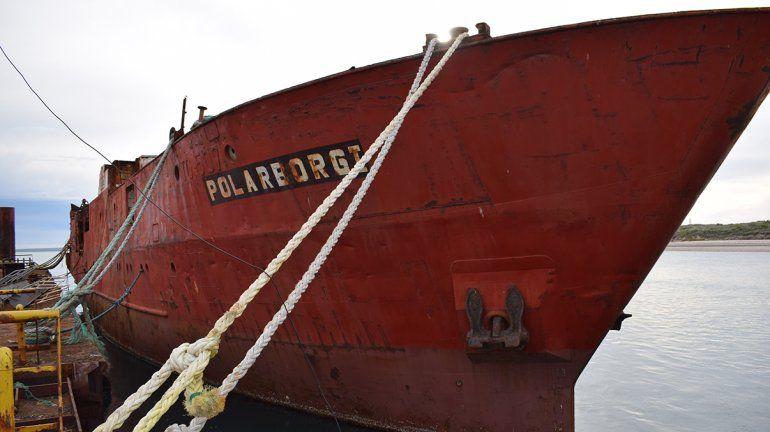 Hunden el cuarto barco en el Parque Submarino de Las Grutas