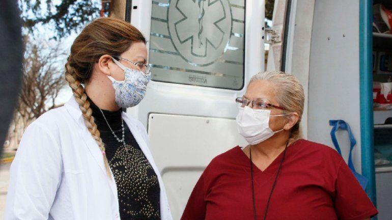 La historia de la enfermera que postergó su jubilación para enfrentar al coronavirus