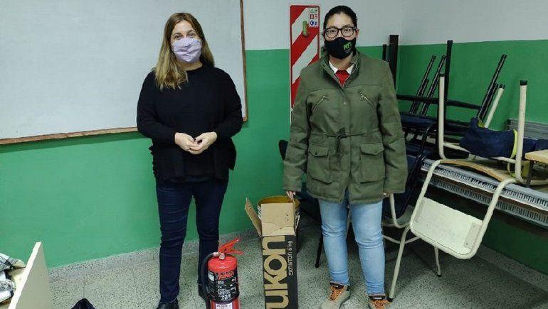 Refuerzan elementos de seguridad en escuelas de Valle Medio