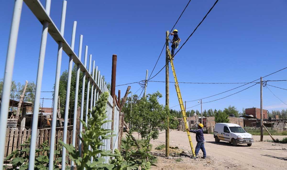 la regularizacion electrica se hace realidad en el barrio obrero a