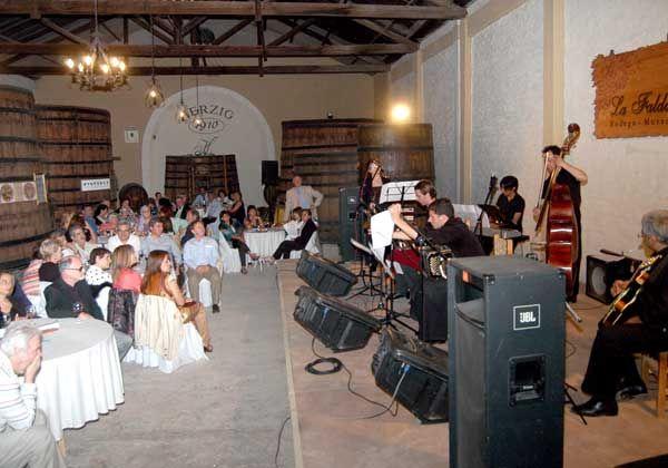 Exitosa cena show en la Bodega Museo La Falda