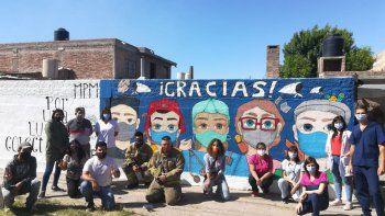 el mural de la pandemia que agradece la lucha de los esenciales