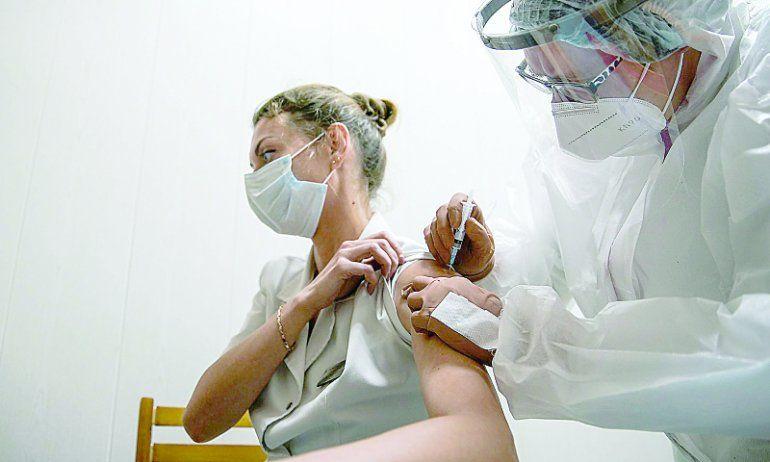Covid-19: prevén vacunar a 240 mil rionegrinos en la primera etapa