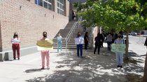 estudiantes de medicina se movilizaron ante la llegada de gines