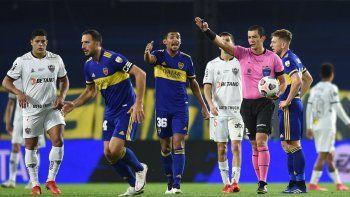 Conmebol pasó la escoba: ¿Qué sanción recibió el árbitro que perjudicó a Boca?