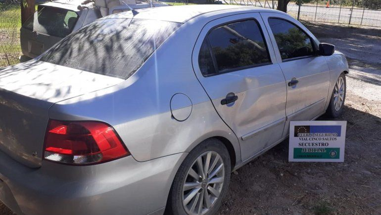 Cinco Saltos: paseaban en un auto robado y terminaron tras las rejas