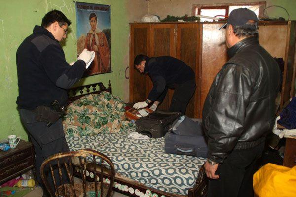 Allanamientos por robo en parrilla Los Pinos