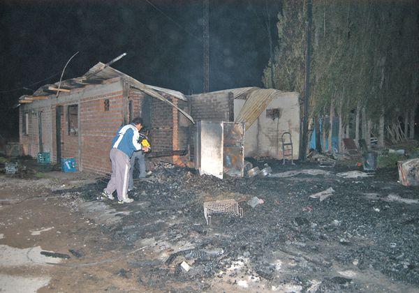 Incendio arrasó con FM San Sebastián