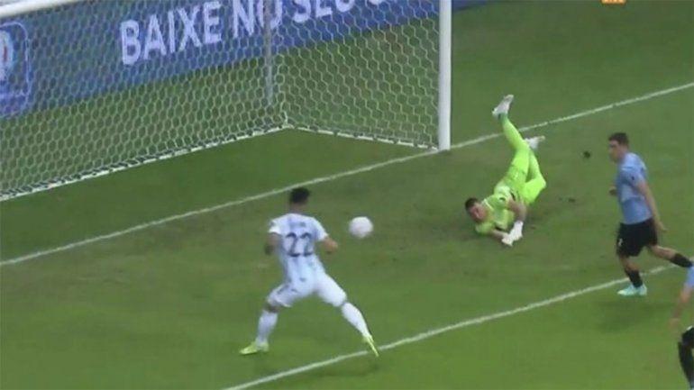 Lautaro modo Higuaín, Messi de 10, mucho Huevo y los mejores memes de Argentina