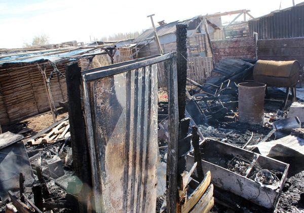 El fuego destruyó una casilla en la toma Polo Obrero