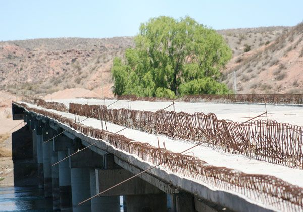 Baratti quiere que terminen el puente de Isla Jordán