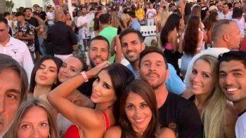 Hay que cantar Pibe Cantina: de Messi y Suárez a estrellas musicales en fiesta top
