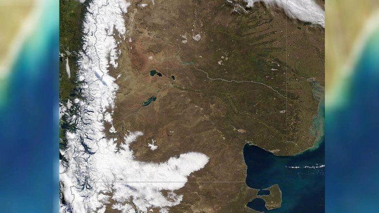 Desde el espacio: así se ve la capa de nieve que cubre al sur rionegrino
