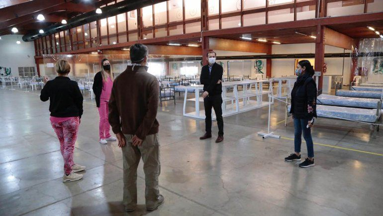 Por la escalada de casos en Neuquén, comienzan a utilizar un hospital de campaña