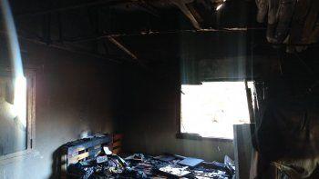Agresor le prendió fuego la casa a víctima de violencia