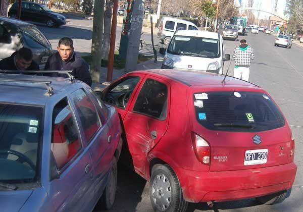 Una violenta colisión en Av. Toschi