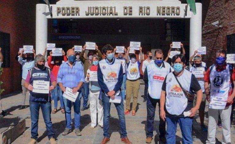Organizaciones sindicales se manifestaron en Viedma en apoyo a Barreno.