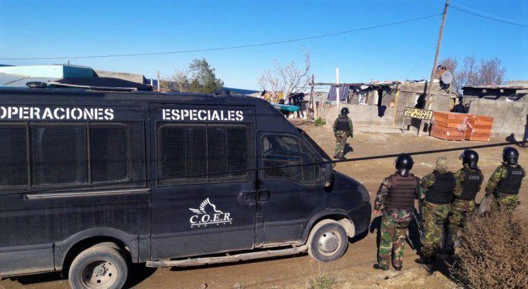 Secuestraron un auto por el violento asalto al complejo de Las Grutas