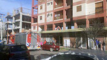 evacuaron un edificio en pleno centro por una explosion