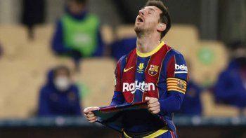 Messi se calentó por una derrota insólita, pegó una piña y lo echaron