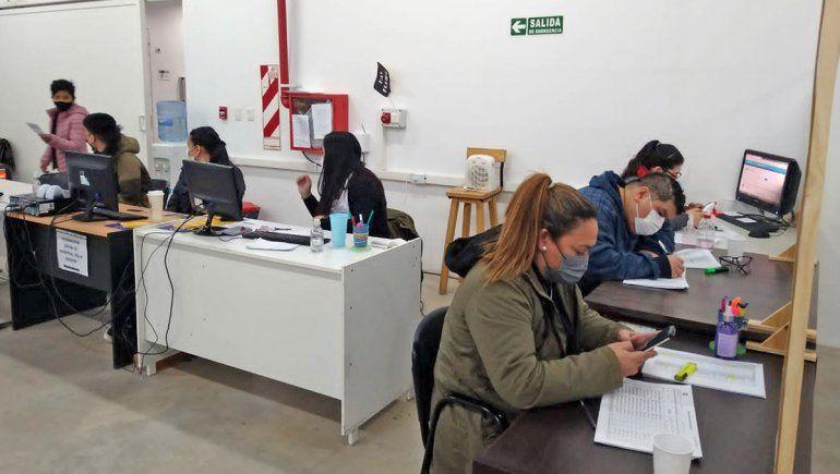 Estudiantes de la UNRN colaboran en la vacunación contra el Covid-19