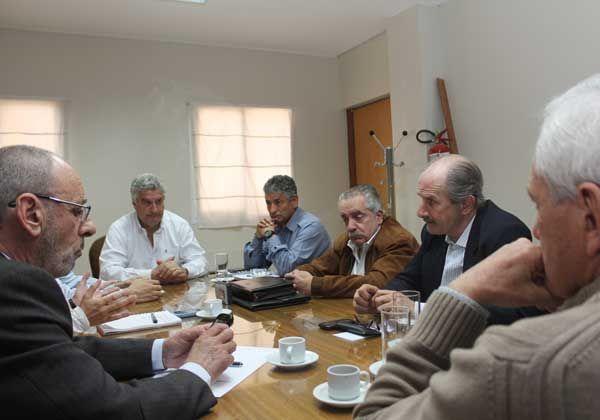 Bermejo se reunió con Baratti y con vecinos de El Manzanar