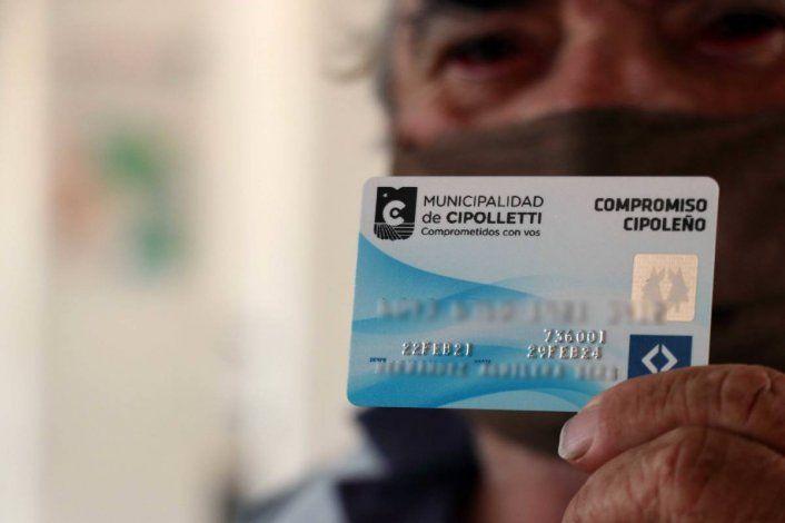 El Municipio cambia las cajas alimentarias por una tarjeta de débito