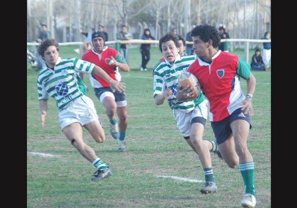La actividad del rugby es por el certamen local