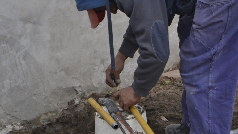 Licitan obras para tendido de red de gas natural que beneficiará a 672 familias rionegrinas