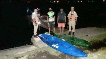 rescataron a dos kayakistas en el lago pellegrini