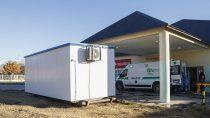 hospital desbordado: colocan trailers para atender pacientes
