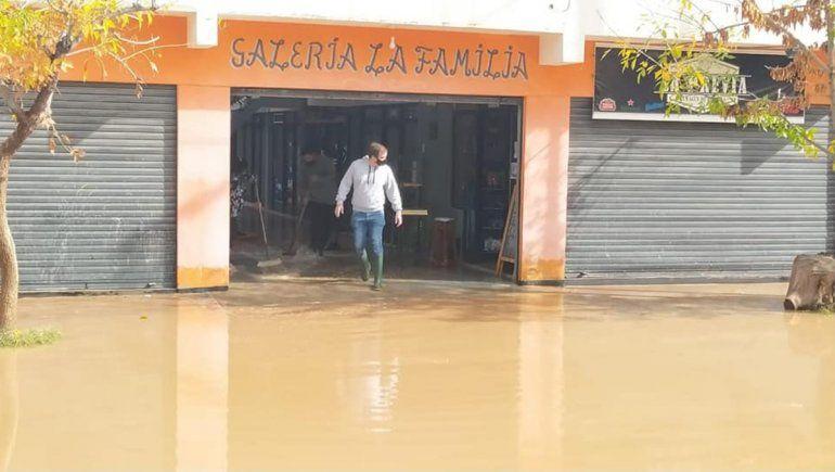 ¿Cuáles son las zonas más críticas en Fernández Oro tras el temporal de lluvia?