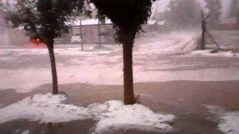 la tormenta de lluvia y granizo azoto al valle medio