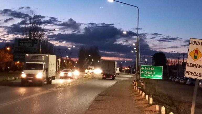 La Muni cambió luminarias viales led en los derivadores de Ruta 22