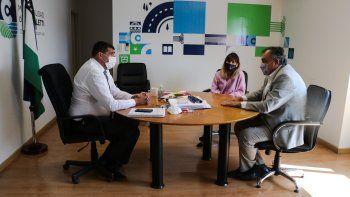El intendente de Bariloche, Gustavo Gennuso, se reunió con Di Tella como parte de su recorrida.