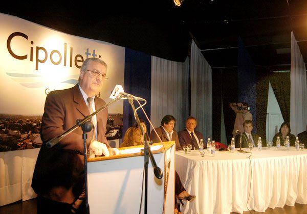 Baratti anunció obras y cuestionó las usurpaciones