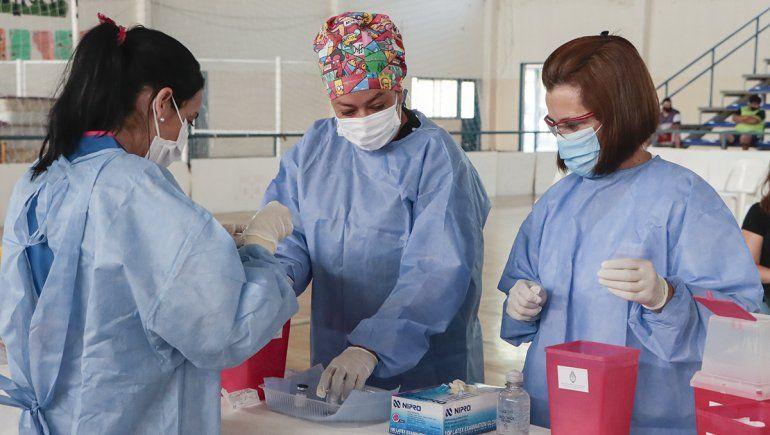 COVID-19: Río Negro comenzará con la vacunación al persona docente